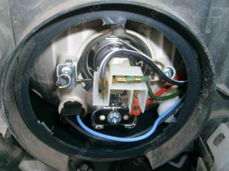 замена противотуманной фары тойота камри v40