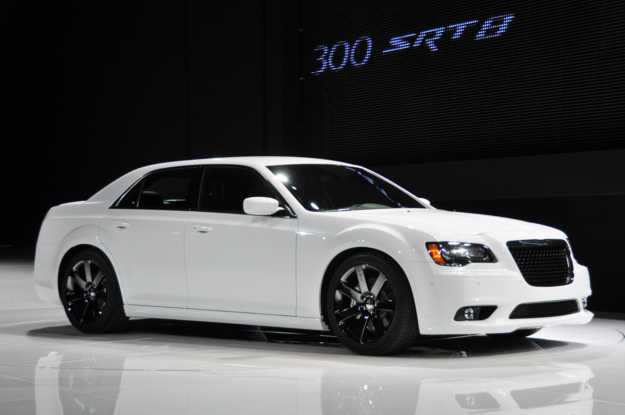 chrysler_300_srt_8