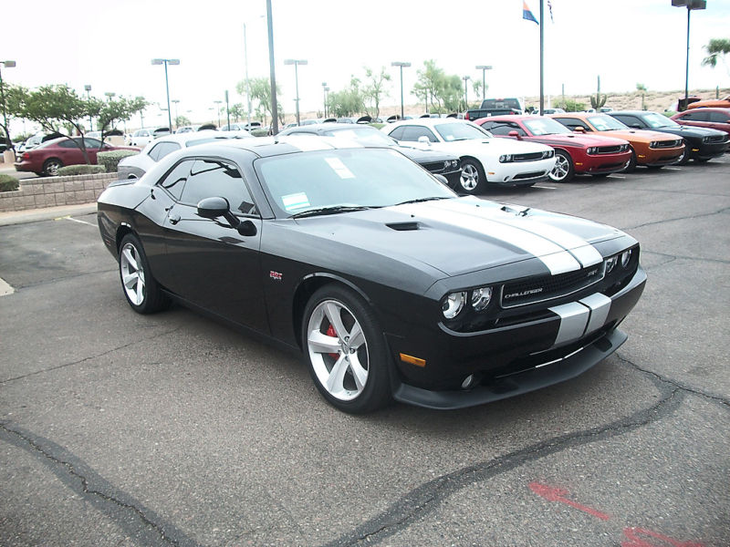 dodge_challenger_srt_8